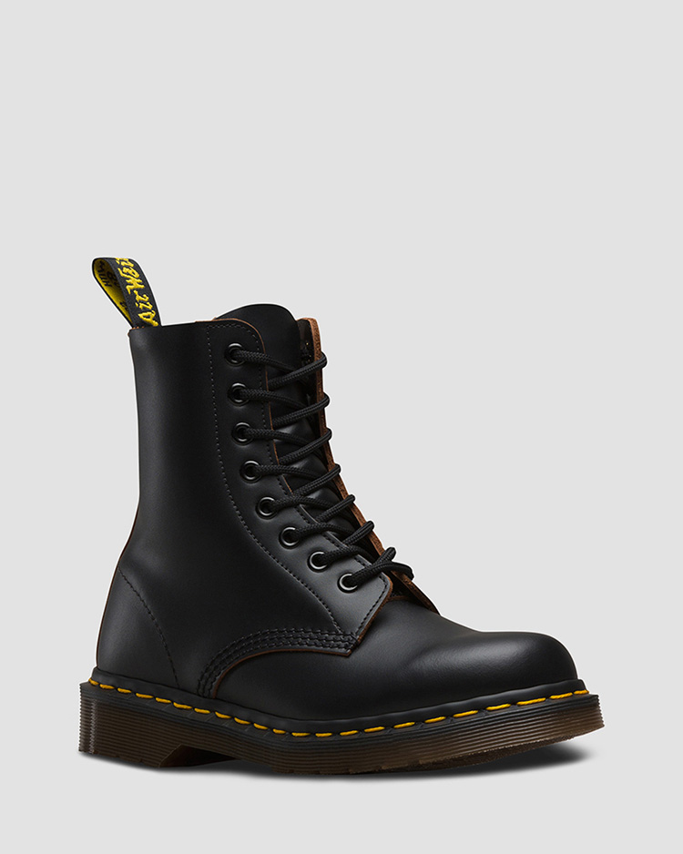1460 8ホールブーツ BLACK(ENGLAND製)